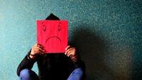 ぐるぐる嫌なことが頭から離れない思考のループから脱出する方法